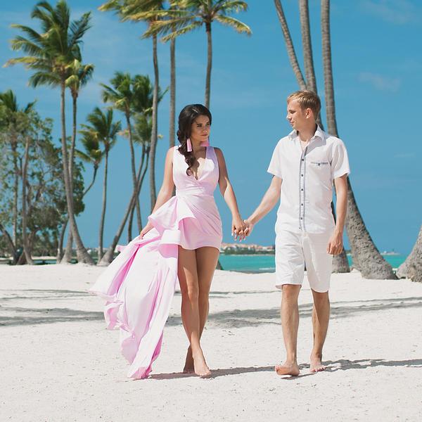 Романтическое предложение руки и сердца на пляже Хуанийо в Кап Кане – WedDesign – Свадьба в Доминикане