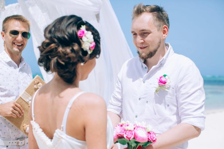 Бело-розовая свадьба Марии и Ильи в Пунта-Кане – WedDesign | Свадьба в Доминикане
