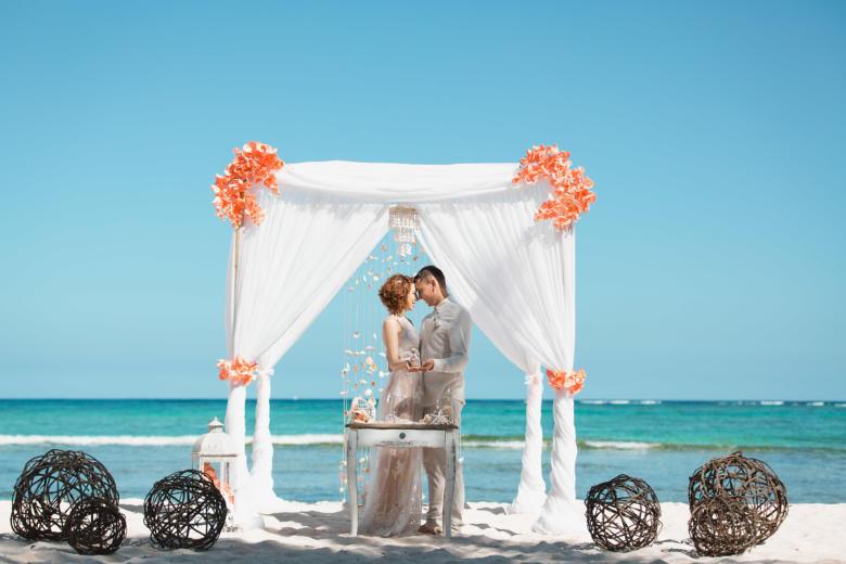 Нежная свадьба Оксаны и Майкла на приватном пляже – WedDesign   Свадьба в Доминикане