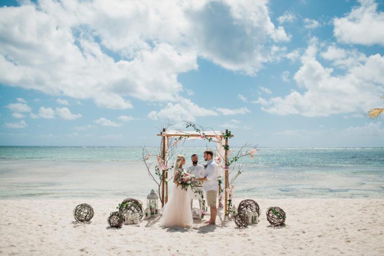 Свадебная церемония Оксаны и Максима в ЭКО стиле в Доминикане – WedDesign | Свадьба в Доминикане