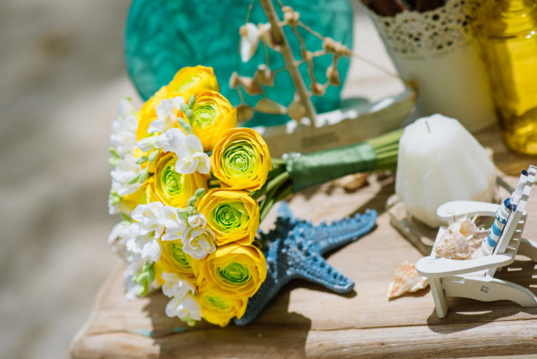 Букет «Желтые ранункулюсы» – WedDesign | Свадьба в Доминикане