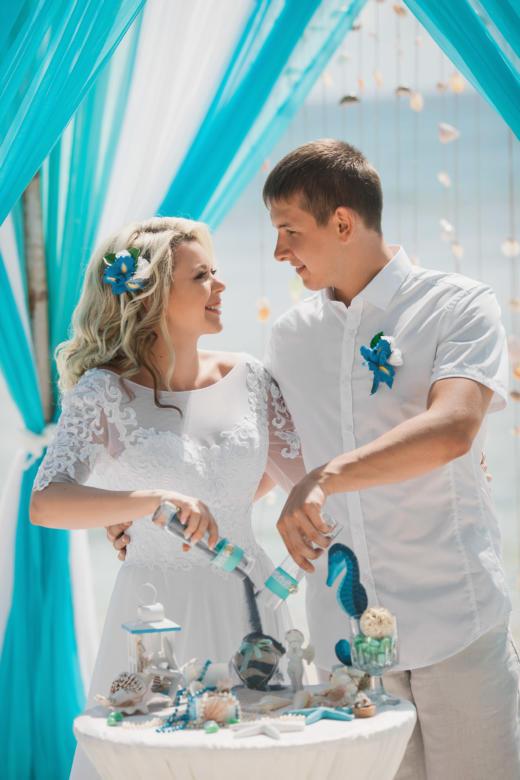 Украшение в волосы и бутоньерка к букету «Ирисы» – WedDesign | Свадьба в Доминикане