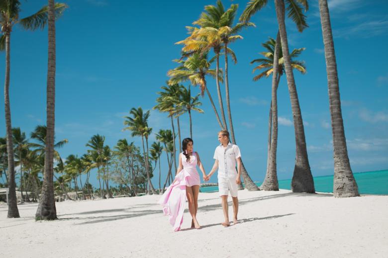 Романтическое предложение руки и сердца на пляже Хуанийо в Кап Кане – WedDesign | Свадьба в Доминикане
