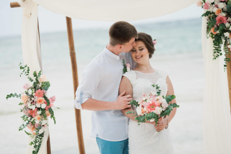 Свадьба в стиле рустик Ангелины и Ивана на пляже «Cabeza de Toro» в Доминикане – WedDesign | Свадьба в Доминикане