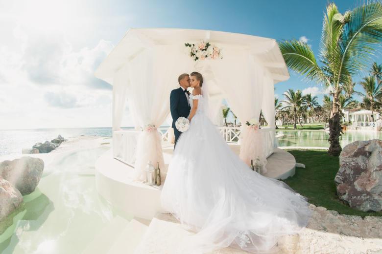 Пудровое оформление газебо в Тракадеро – WedDesign   Свадьба в Доминикане