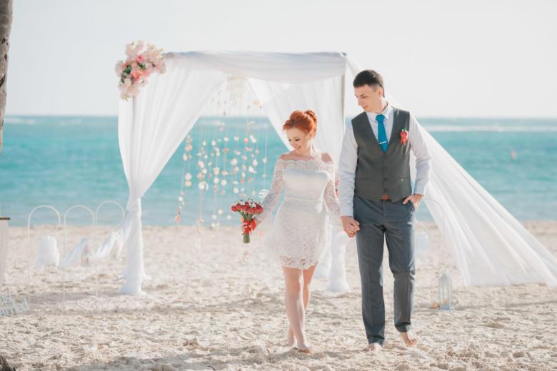 Свадебная церемония на пляже с белым песком в Доминикане Дмитрия и Екатерины | WedDesign – Свадьба в Доминикане
