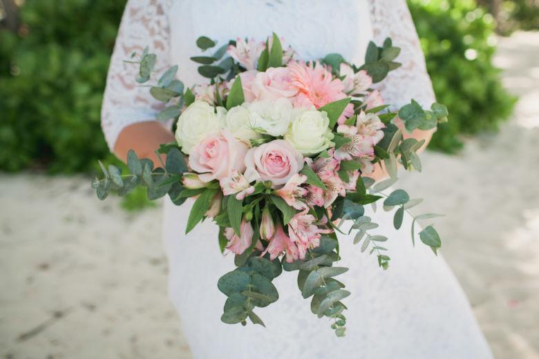 Свадебный букет растрепыш в нежных тонах – WedDesign | Свадьба в Доминикане