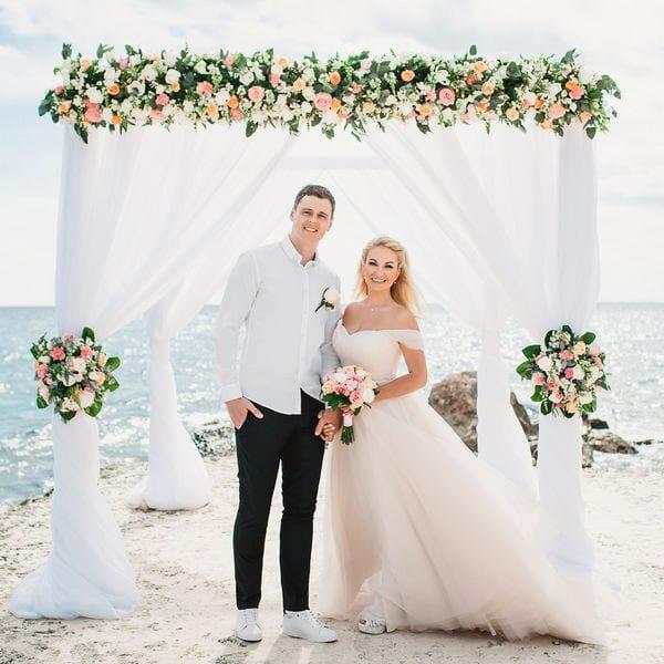 Люкс свадьба с живыми цветами на пирсе в ресторане «Тракадеро» Ольги и Вадима – WedDesign – Свадьба в Доминикане