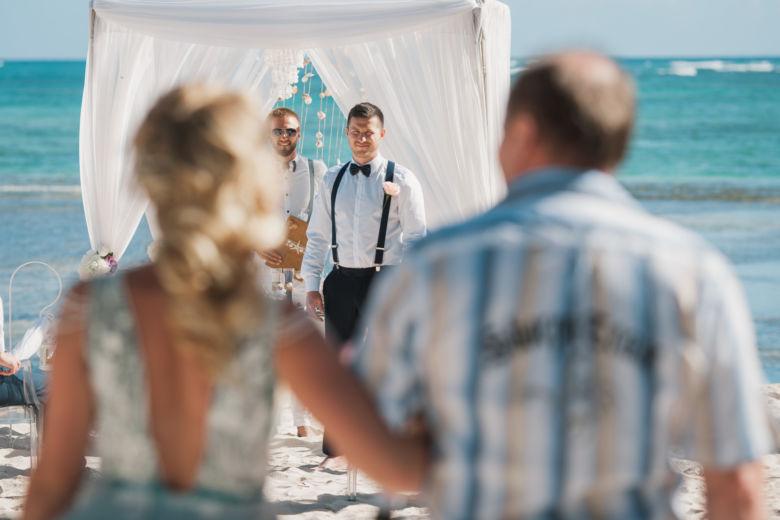 Свадебная церемония с гостями на приватном пляже в Пунта-Кане Кристины и Алексея – WedDesign | Свадьба в Доминикане