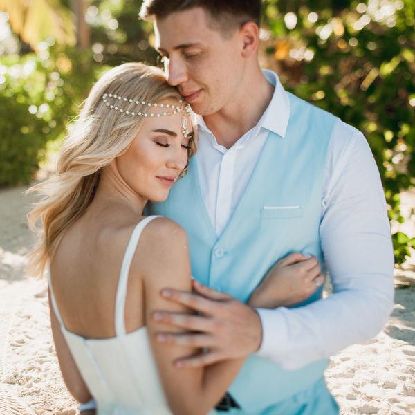 Свадебная церемония в мягких тонах на пляже Cabeza de Toro Александра и Екатерины – WedDesign – Свадьба в Доминикане