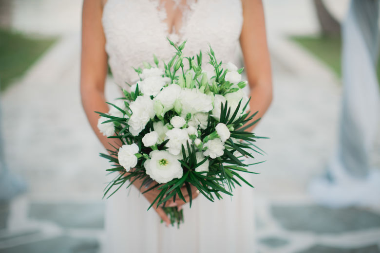 Свадебный букет из гвоздики, эустомы и зелени – WedDesign | Свадьба в Доминикане