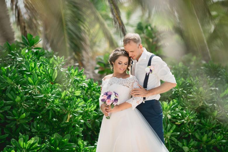 Букет в фиолетовом цвете – WedDesign – Свадьба в Доминикане