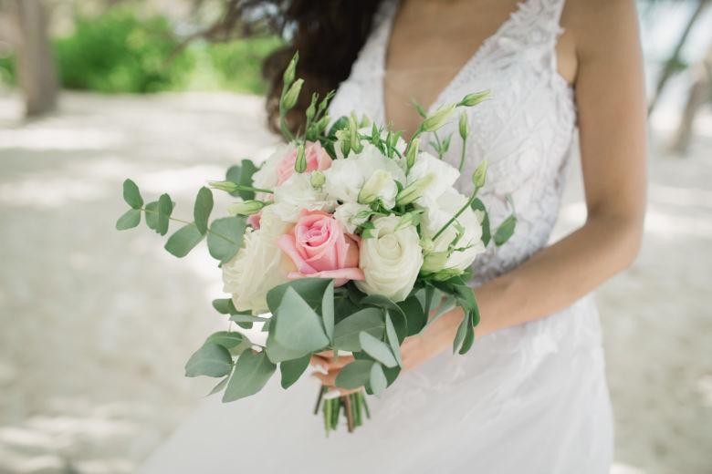 Нежный букет в свободной форме – WedDesign – Свадьба в Доминикане