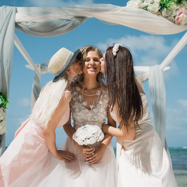 Свадьба в сером цвете с гостями в Доминиканcкой Республике – WedDesign – Свадьба в Доминикане