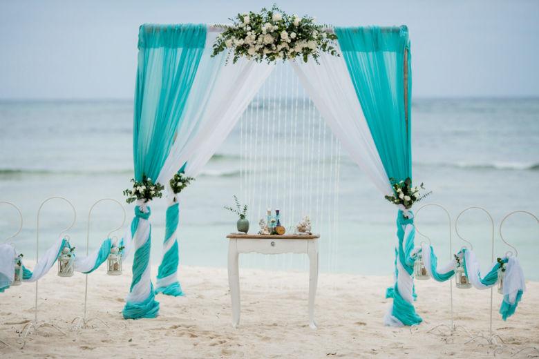 Арка тиффани с живыми цветами – WedDesign – Свадьба в Доминикане