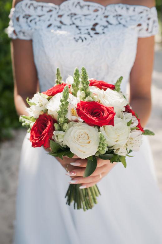 Красно-белый букет невесты – WedDesign – Свадьба в Доминикане