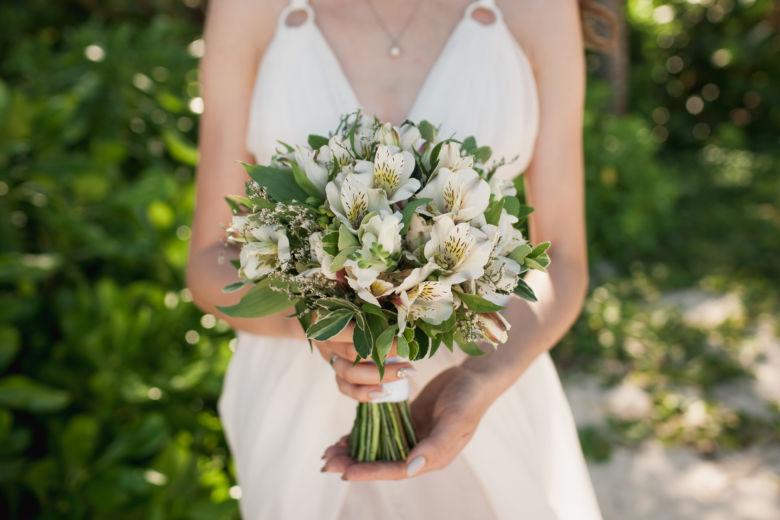 Букет из альстромерии и лимониума – WedDesign – Свадьба в Доминикане