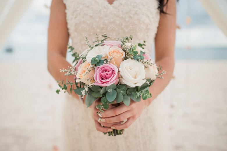 Круглый букет с лимониумом – WedDesign – Свадьба в Доминикане