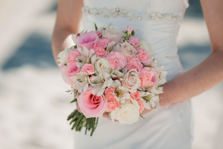 Круглый розовый букет невесты – WedDesign – Свадьба в Доминикане