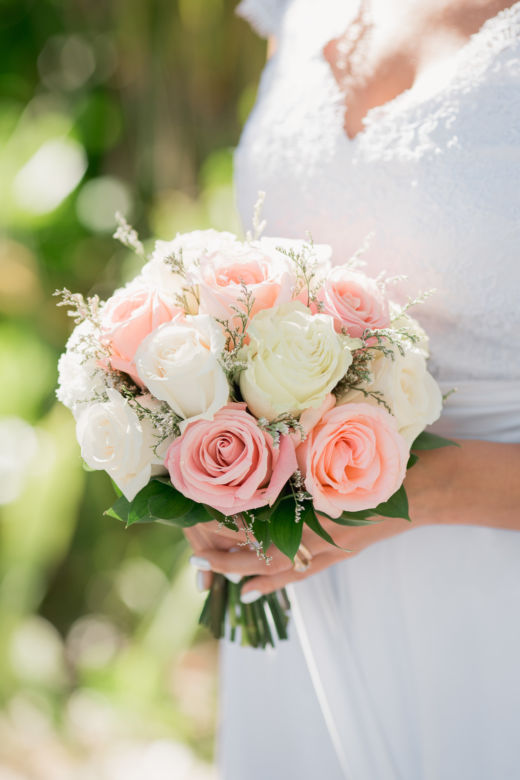 Букет из роз и лимониума – WedDesign – Свадьба в Доминикане