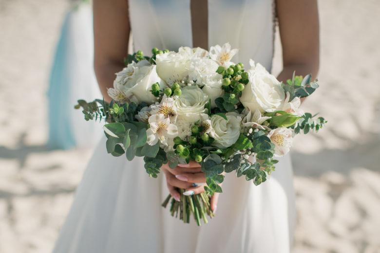 Букет невесты с гиперикумом – WedDesign – Свадьба в Доминикане