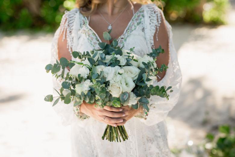 Растрепыш из роз и эвкалипта – WedDesign – Свадьба в Доминикане
