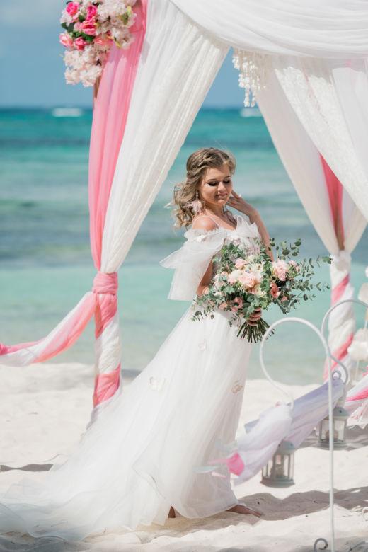 Растрепыш – WedDesign – Свадьба в Доминикане