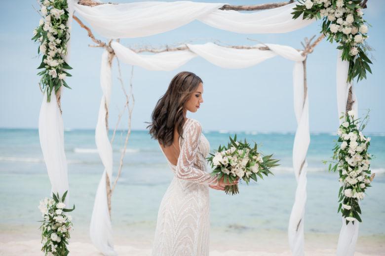 Букет свободной формы – WedDesign – Свадьба в Доминикане