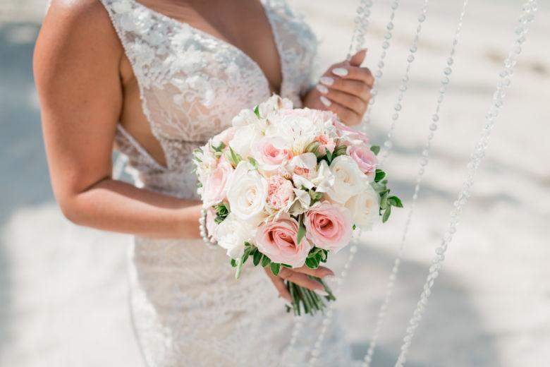 Букет невесты круглой формы – WedDesign – Свадьба в Доминикане