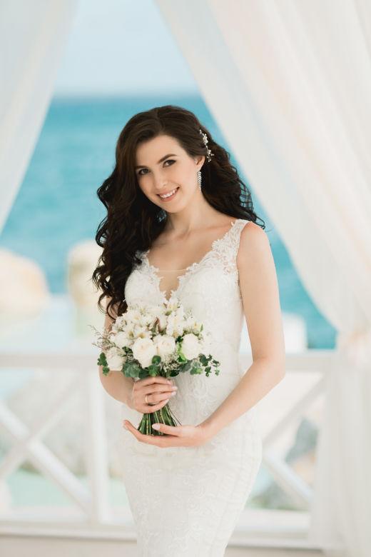 Круглый букет с альстромерией – WedDesign – Свадьба в Доминикане