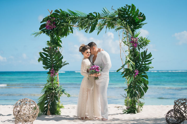 Арка в тропическом стиле – WedDesign – Свадьба в Доминикане