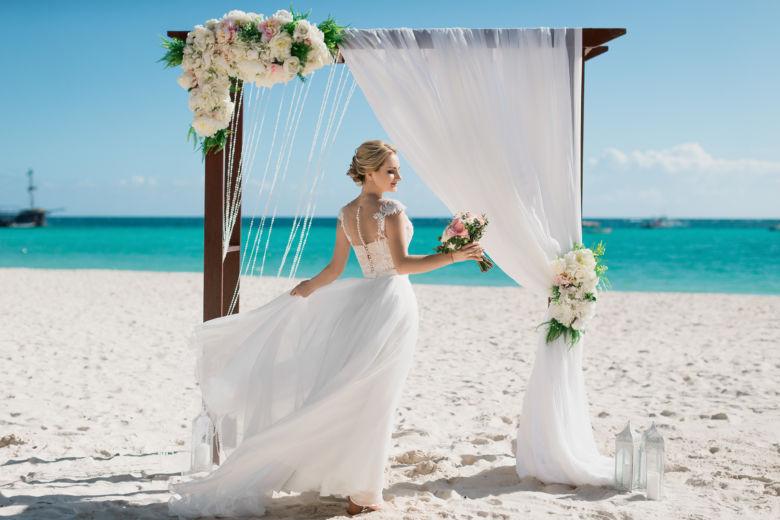Деревянная основа арки– WedDesign – Свадьба в Доминикане