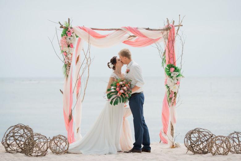 Искусственные цветы. Тропическая арка– WedDesign – Свадьба в Доминикане