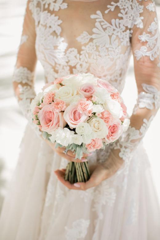 Круглый букет невесты в нежных цветах – WedDesign – Свадьба в Доминикане