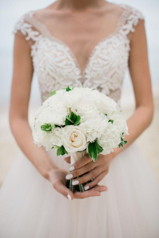 Белый воздушный букет – WedDesign – Свадьба в Доминикане
