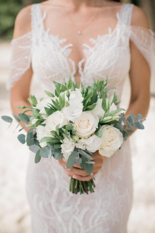 Букет с эустомой и розами – WedDesign – Свадьба в Доминикане