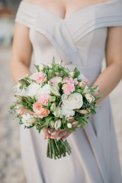 Букет с альстромерией и розами – WedDesign – Свадьба в Доминикане