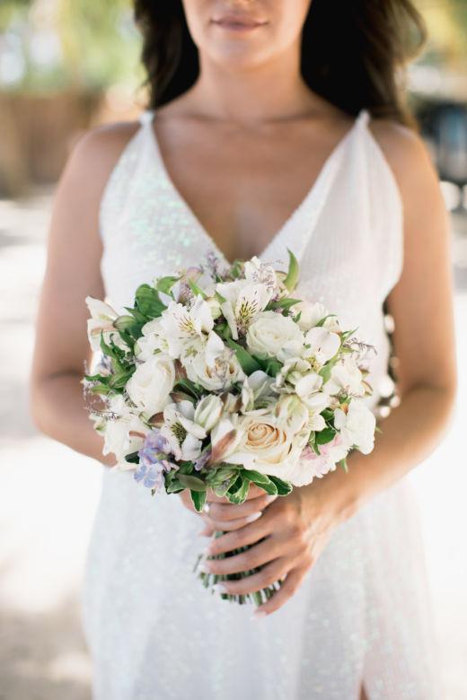 Букет с альстромерией и сиреневыми цветами – WedDesign – Свадьба в Доминикане