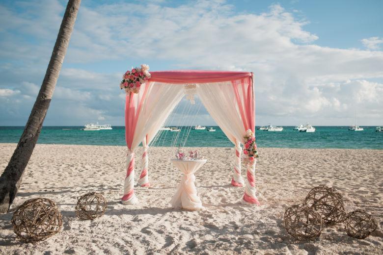 Лососевый и пудровый – WedDesign – Свадьба в Доминикане