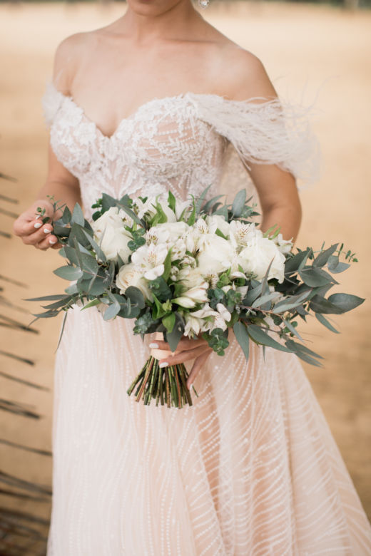 Букет с альстромерией – WedDesign – Свадьба в Доминикане