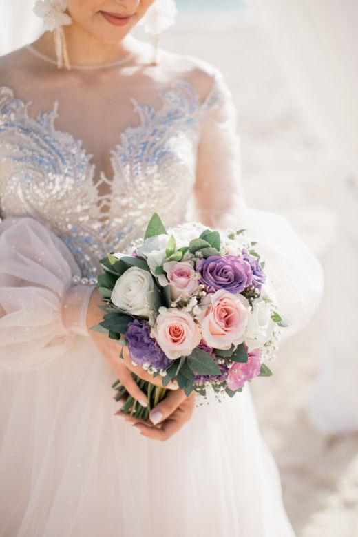 Букет круглый в сиреневом цвете – WedDesign – Свадьба в Доминикане