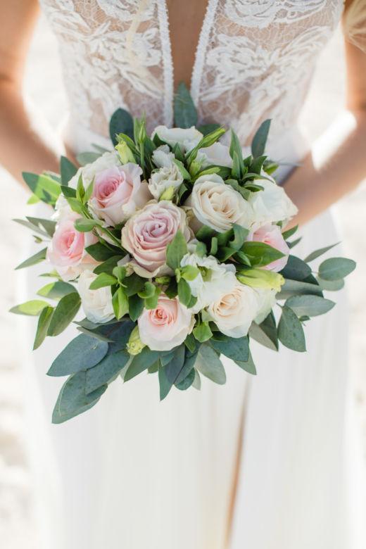 Свадебный букет с эустомой – WedDesign – Свадьба в Доминикане