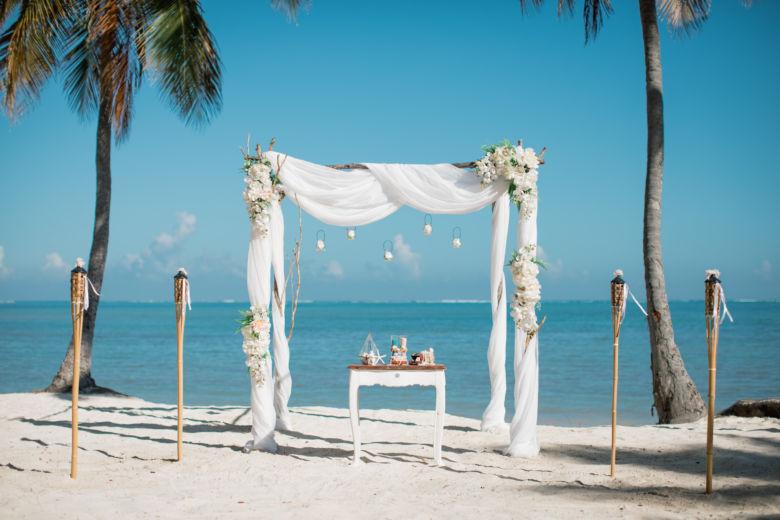Искусственные цветы. Ветки – WedDesign – Свадьба в Доминикане