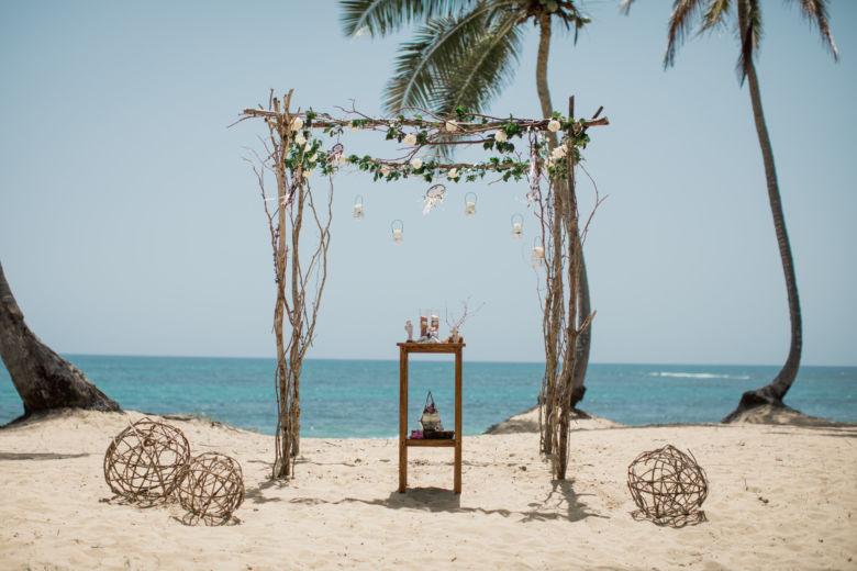 Арка с ловцами снов – WedDesign – Свадьба в Доминикане