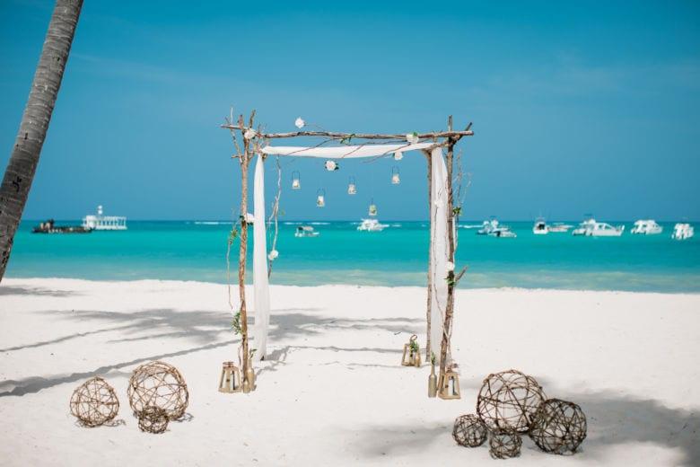 Дизайнерское оформление.Ветки – WedDesign – Свадьба в Доминикане